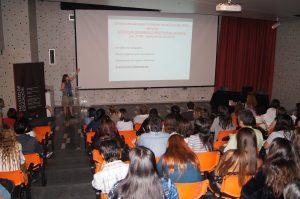 Rut Correia explicando el nuevo sistema de desarrollo profesional docente.
