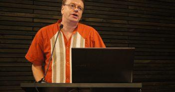 Gunther Dietz presentó sobre educación intercultural.