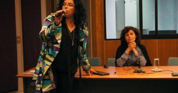 Karina Piña de PIAP junto a la invitada Carmen Muñoz.