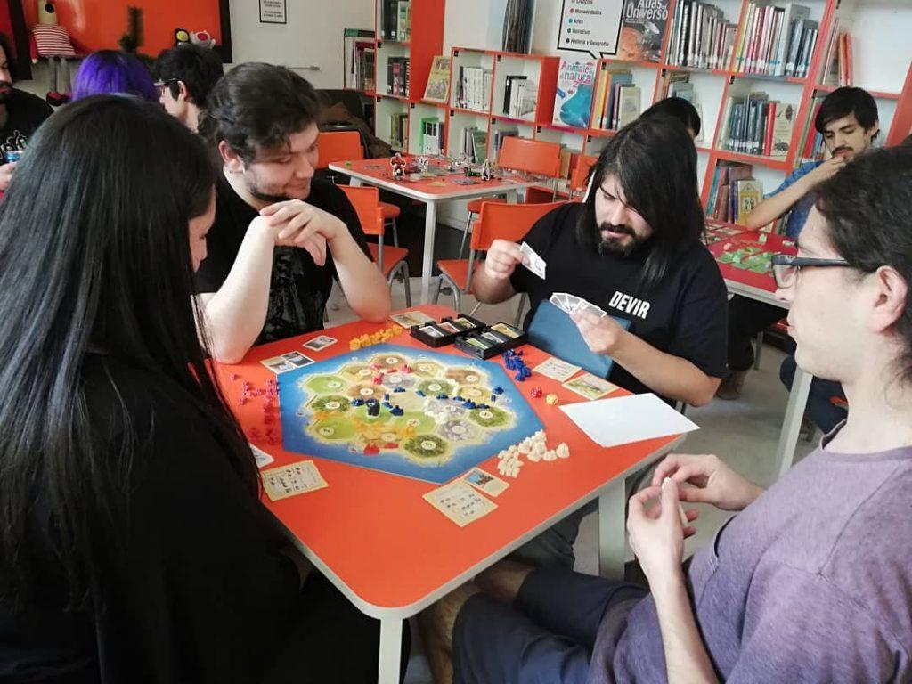 Biblioteca Lea Y Devir Chile Realizaron Dia Del Juego En Facultad De